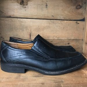 Ecco leather loafers slip on shoes
